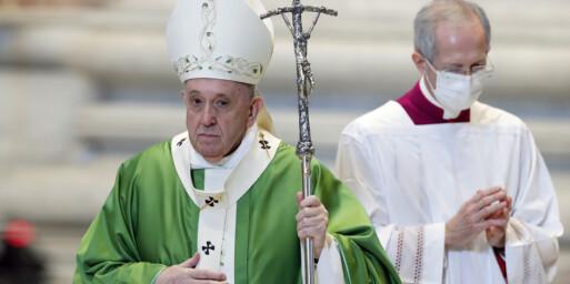 Image: Paven med brannfakkel i brennhet debatt