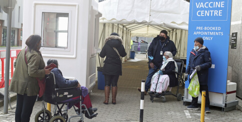 Image: Hver åttende person i England har vært coronasmittet