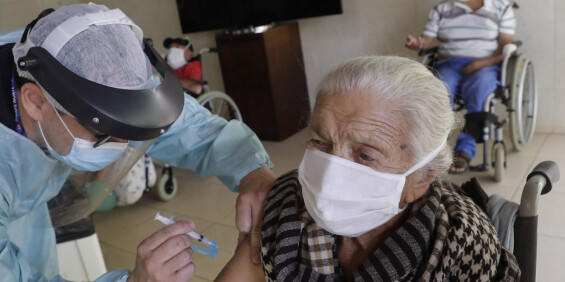 Image: Eksperter: Ingen dødsfall direkte knyttet til koronavaksine