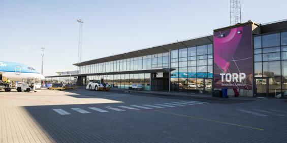 Image: Krisemøte på Torp lufthavn etter strengere innreiseregler