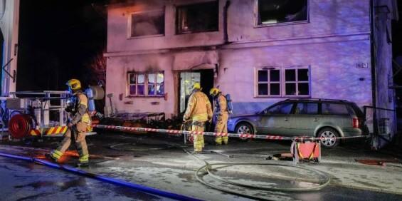 Image: Mann kritisk skadd i boligbrann i Sarpsborg