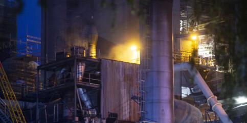 Image: Brannen på sementfabrikken i Brevik i Telemark slukket