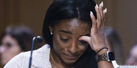 Image: Gråtende Simone Biles: – FBI og turnforbundet lukket øynene for overgrepene