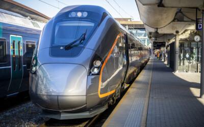 Image: Fikk fire splitter nye togsett i juni. Fortsatt ikke i bruk på grunn av «sprekker»