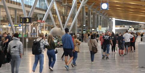Image: Fortsatt munnbindpåbud på Oslo lufthavn trass gjenåpning