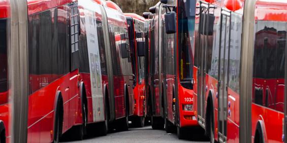 Image: Bussjåfør fikk sparken etter coronakarantene – vant rettssak