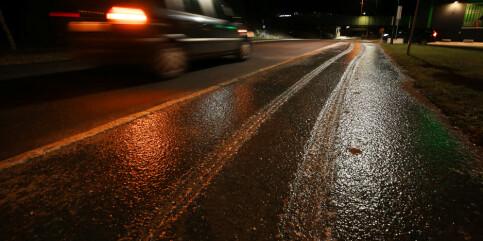 Image: Såpeglatte veier: Flere trafikkulykker