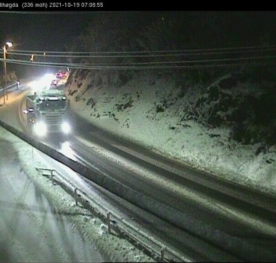 Image: Snøvær førte til trafikkaos på Østlandet