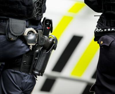 Image: Midlertidig nasjonal bevæpning av politiet opphører