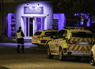 Image: Alvorlig for tenåring og mann i 20-årene som ble knivstukket i Trondheim